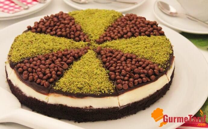 kolay muhallebili çikolatalı pasta
