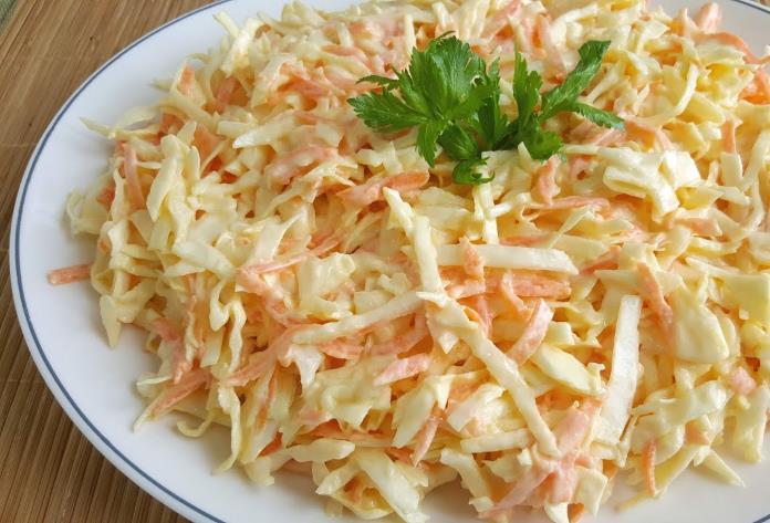 Havuçlu beyaz lahana salatası tarifi