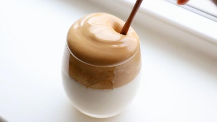 Dalgona kahvesi tarifi, tiktok kahvesinin adı ne? tiktok kahvesi nasıl yapılır? tarifi nedir?