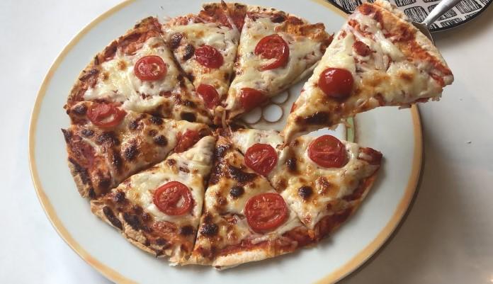 Lavaşla yapılan pizza tarifi