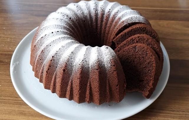 Sodalı maden suyu ile kakaolu kek tarifi