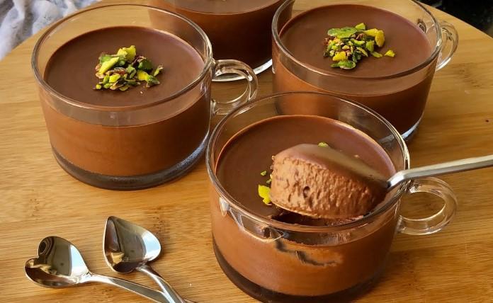 Ağızda Eriyen Köpük Çikolata (Mousse) Tarifi