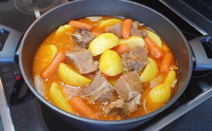 patatesli, havuçlu, terbiyeli et haşlama tarifi