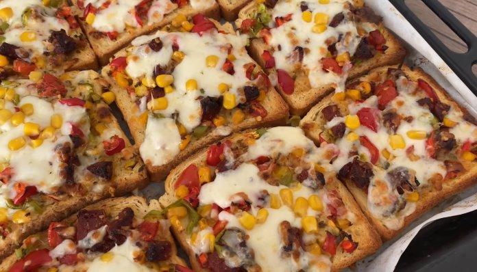 Kahvaltılık tarifleri, pizza tadında kahvaltılık ekmek dilimleri.