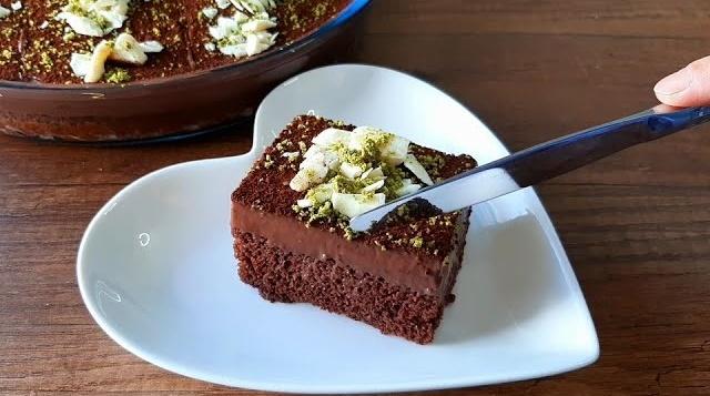 Yaş Pasta Tadında Çikolatalı Kek Tarifi